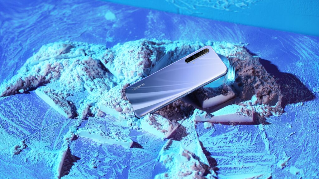 Nejlevnější 5G telefon a základ pro nenáročné, to jsou novinky od Realme